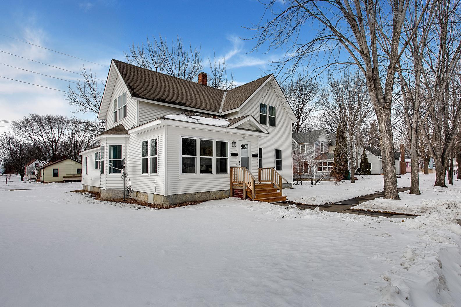 1207 Desoto Avenue N Property Photo - Glencoe, MN real estate listing