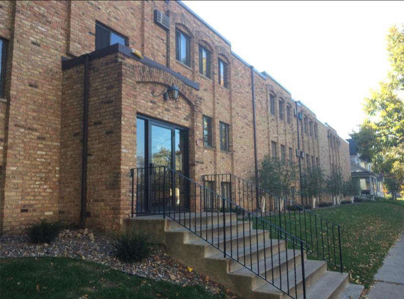 2631 Columbus Avenue S Property Photo