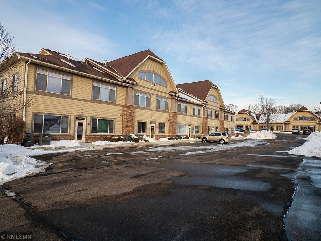 7945 Stone Creek Drive #50 Property Photo - Chanhassen, MN real estate listing
