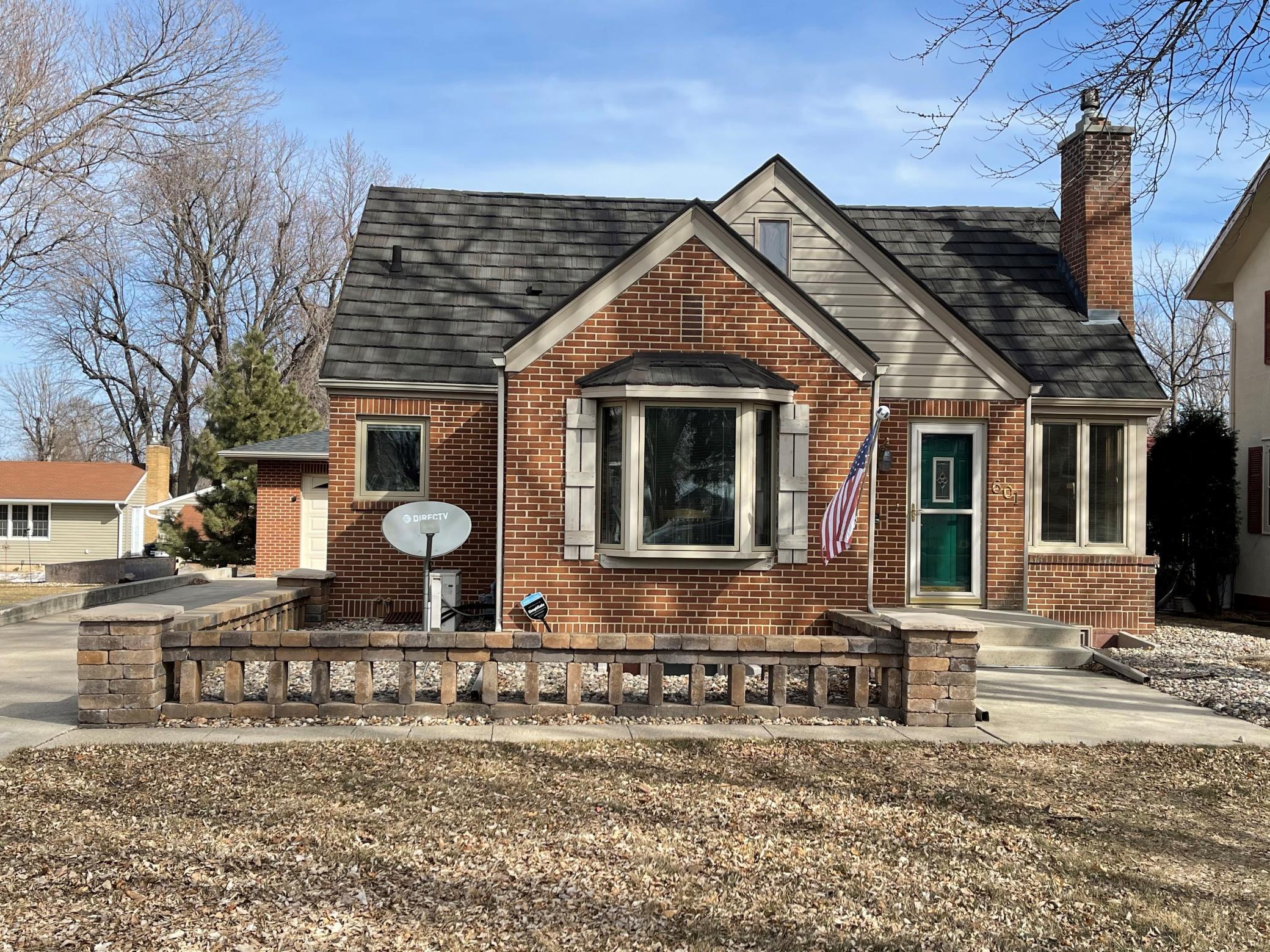 601 Lake Avenue Property Photo - Worthington, MN real estate listing