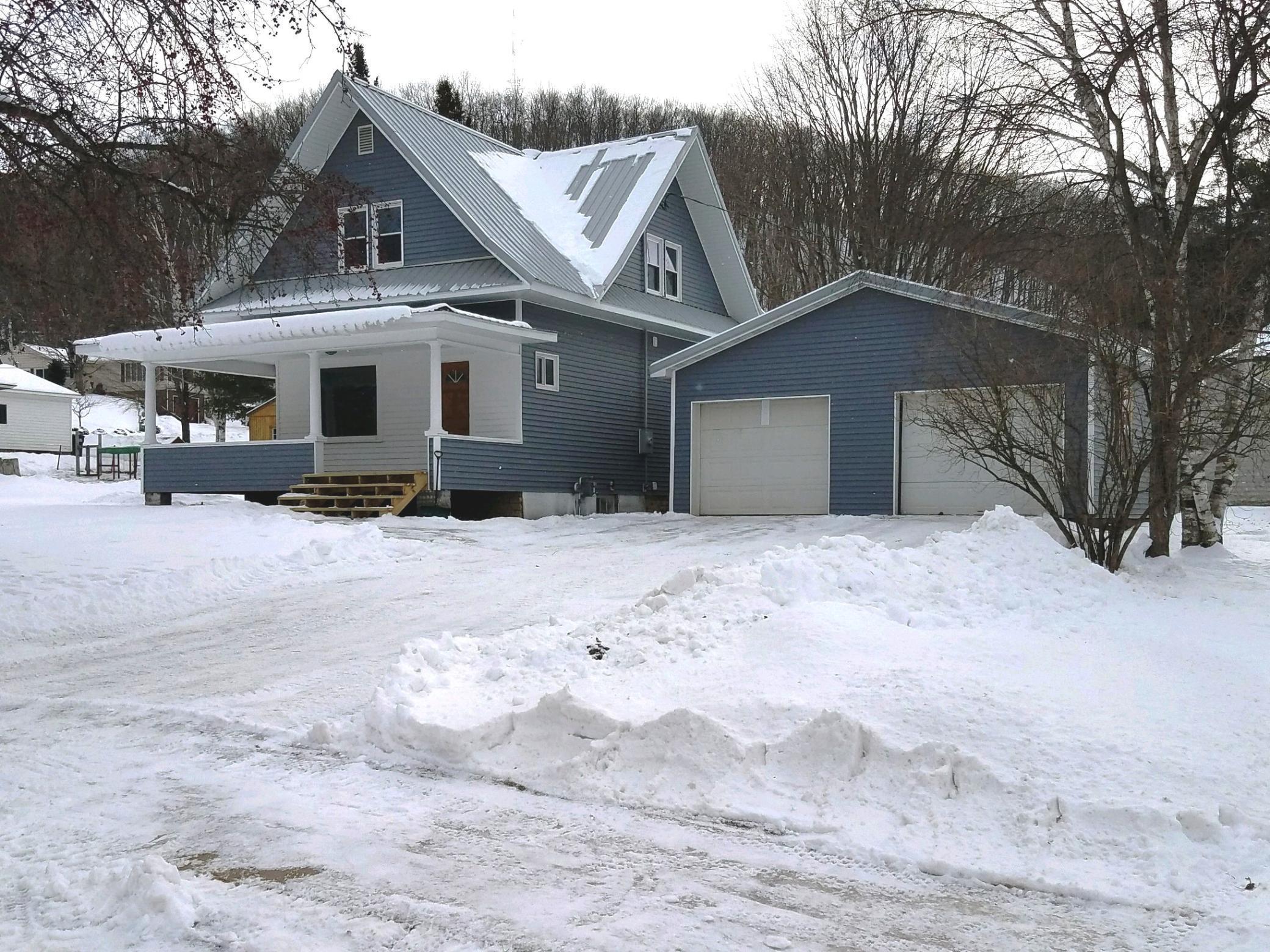 219 E Race Avenue Property Photo - Elmwood, WI real estate listing