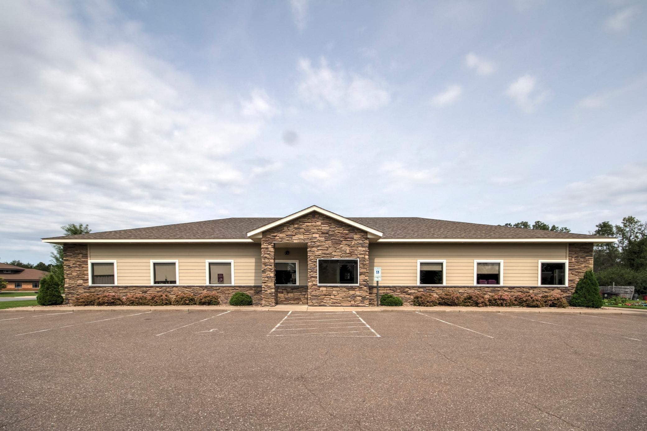 2602 Hils Court Property Photo - Menomonie, WI real estate listing