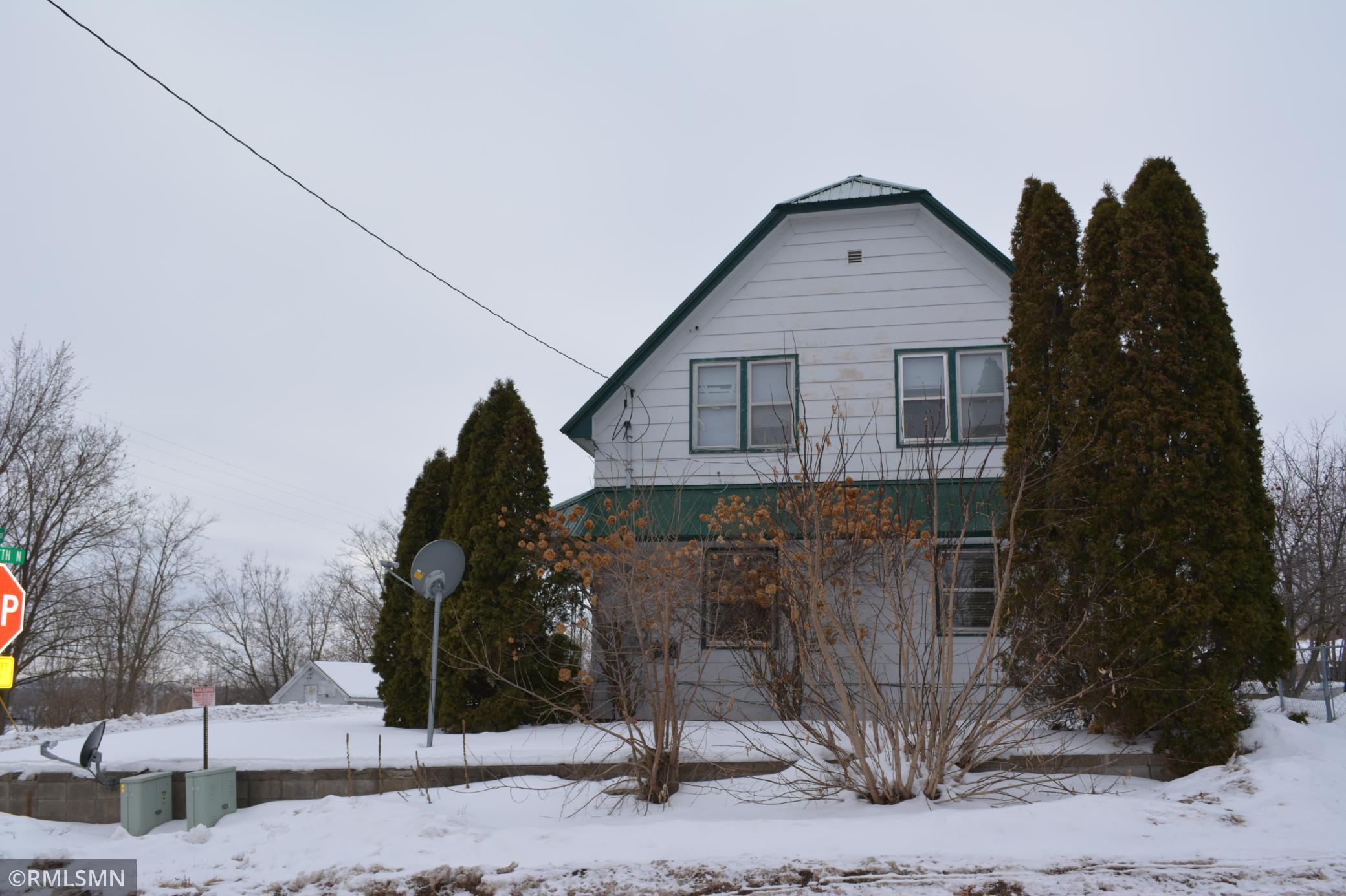 2401 250th Avenue Property Photo