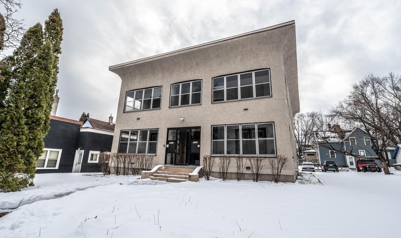 3009 E Franklin Avenue Property Photo
