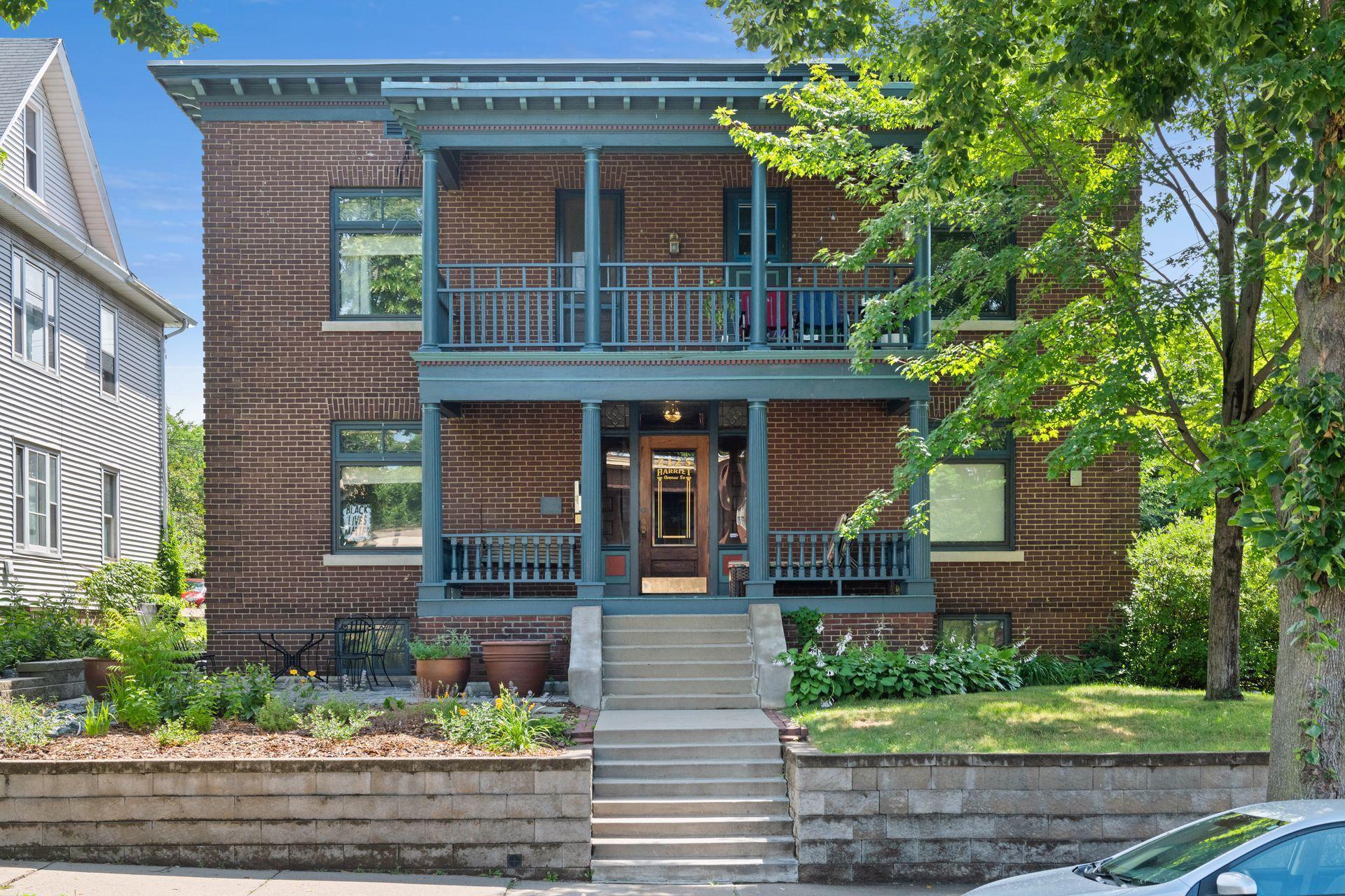 2125 Harriet Avenue S Property Photo