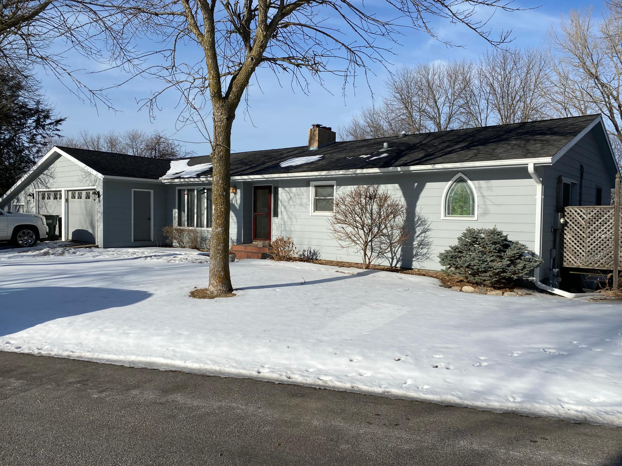 111 Crestview Drive Property Photo