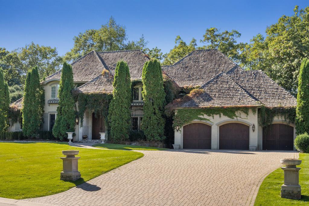 5012 Oak Bend Lane Property Photo 1