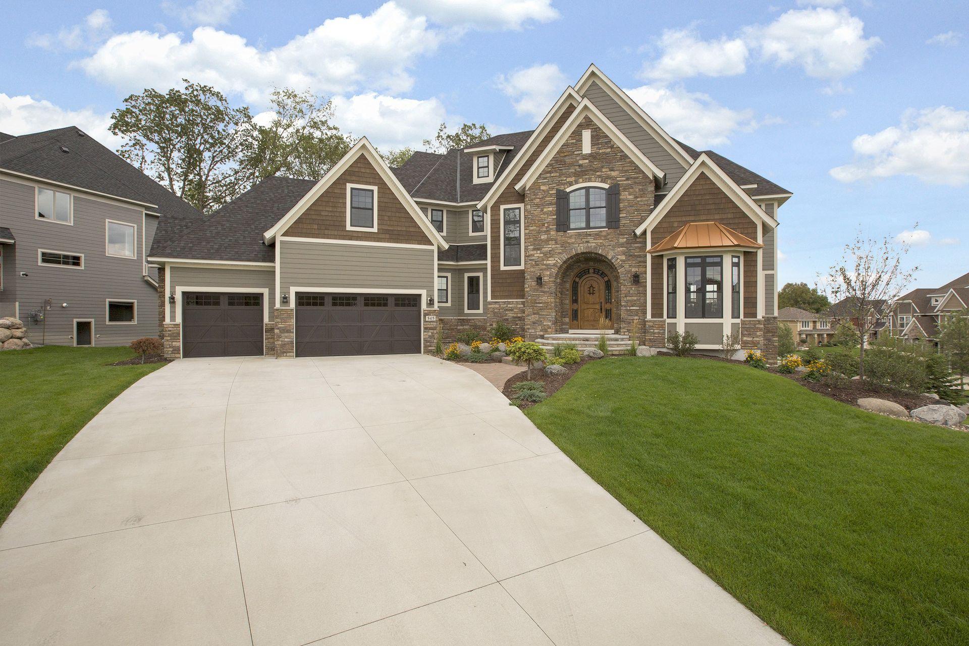5415 Archer Lane N Property Photo