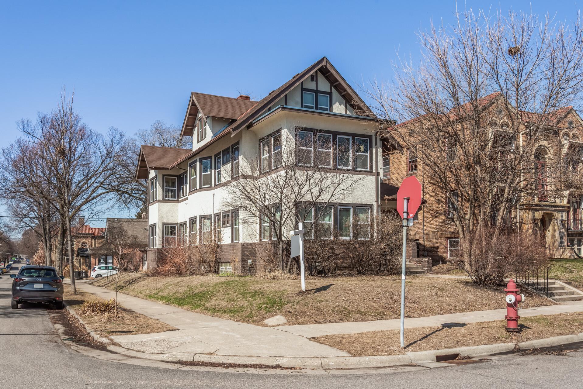 3252 Emerson Avenue S Property Photo