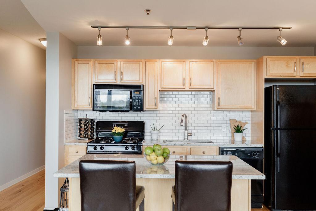929 Portland Avenue #710 Property Photo