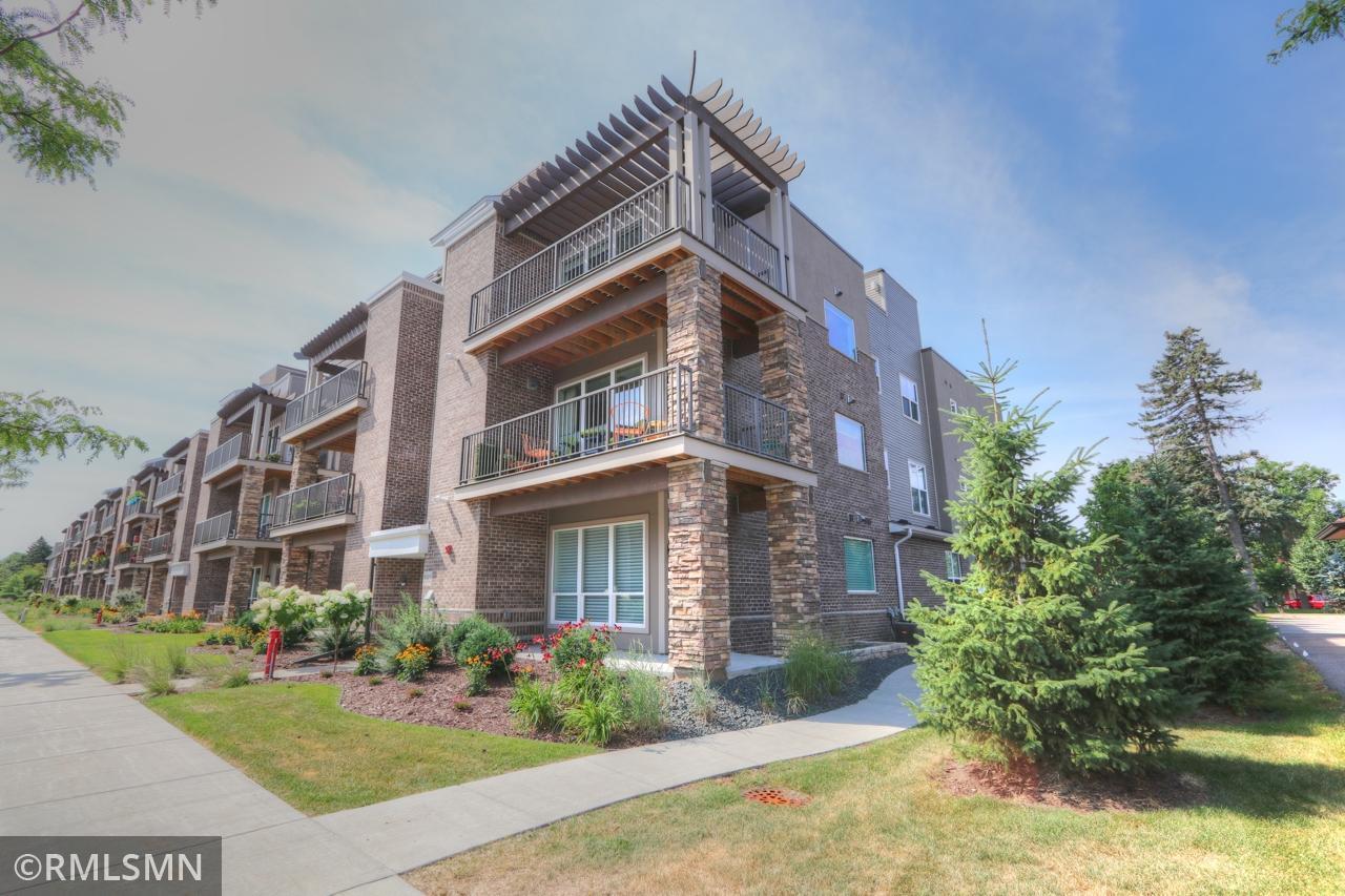 3962 Wooddale Avenue S #102e Property Photo