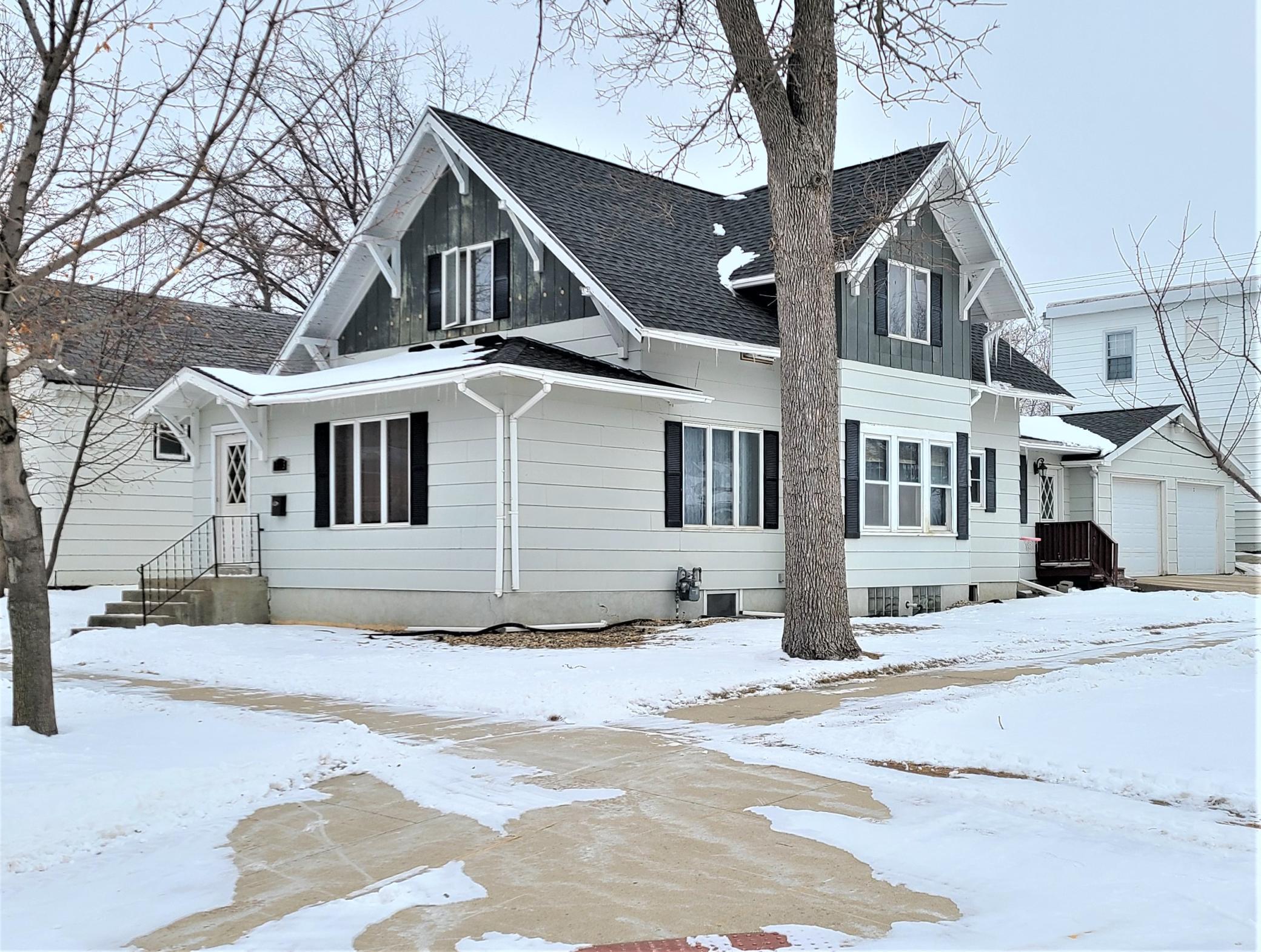 123 2nd Avenue Se Property Photo