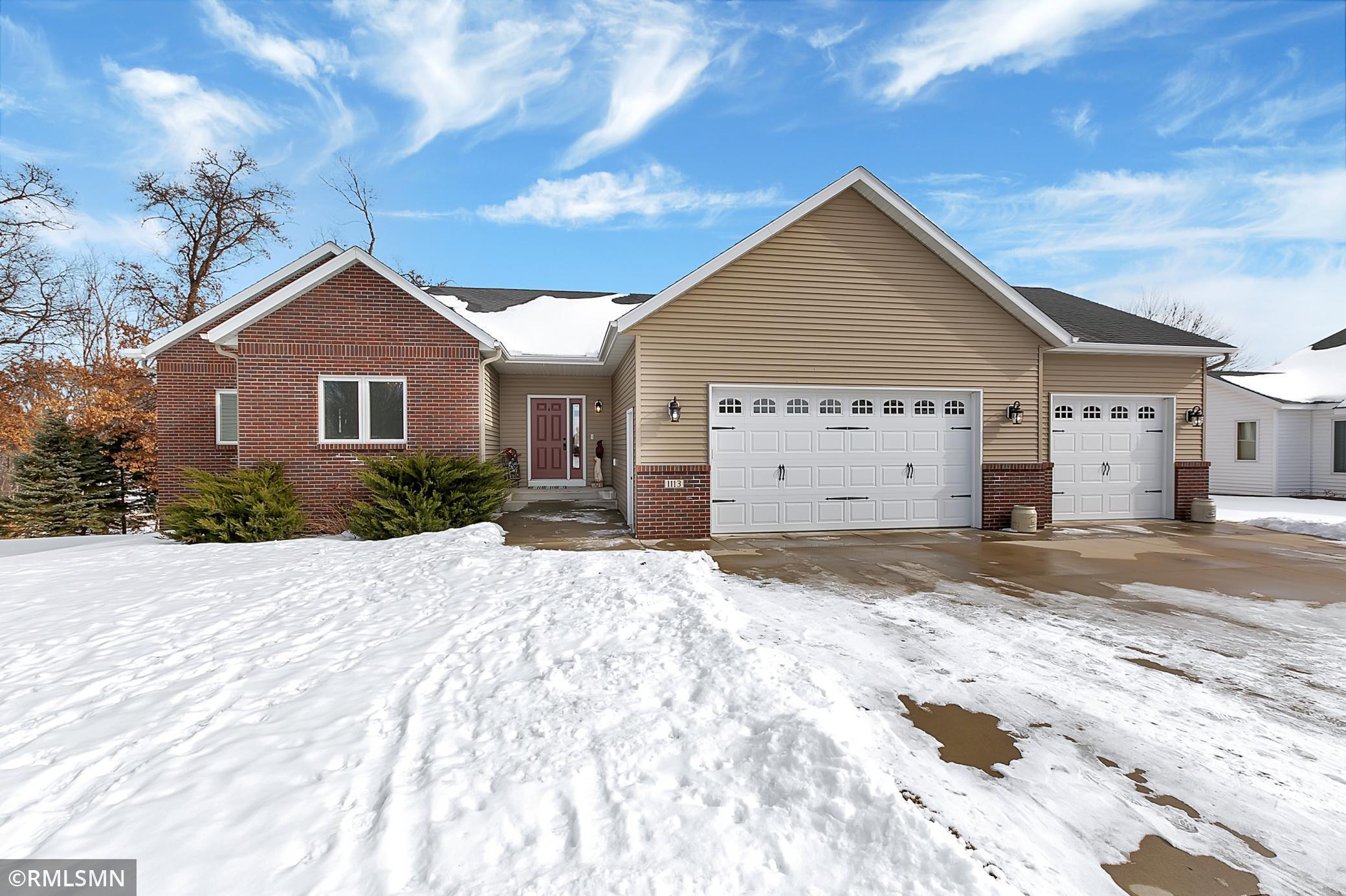 1113 Oak Pond Drive Property Photo