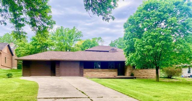 112 E Oak Street Property Photo