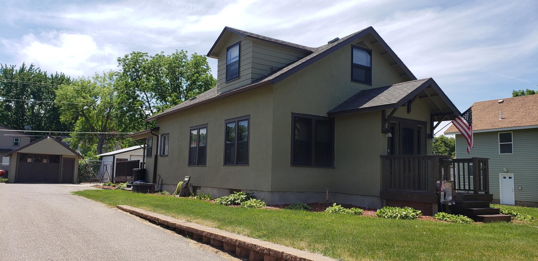 228 E Schlieman Avenue Property Photo