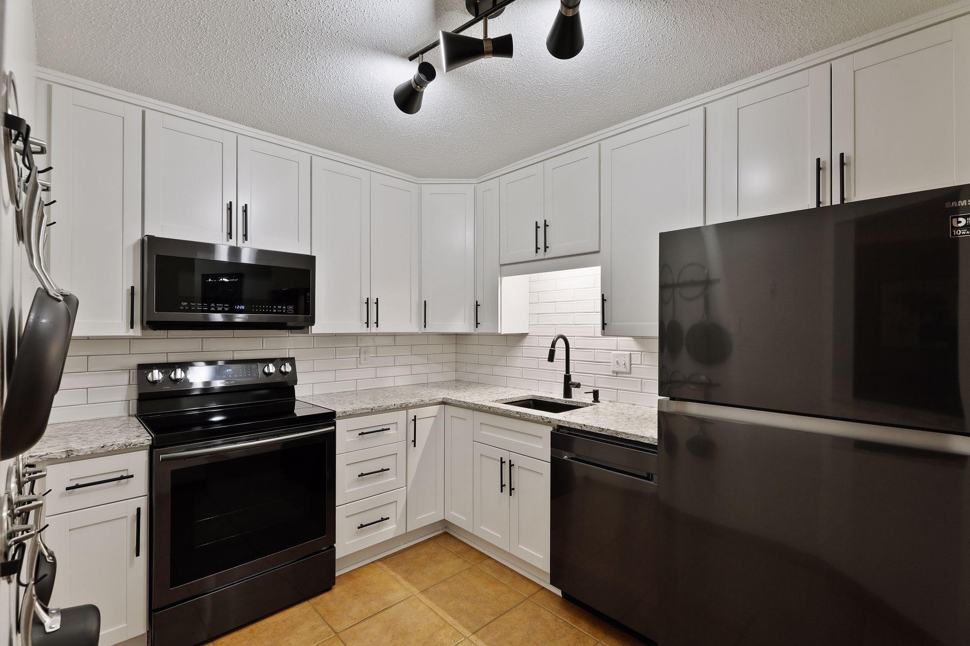 78 10th Street E #601 Property Photo