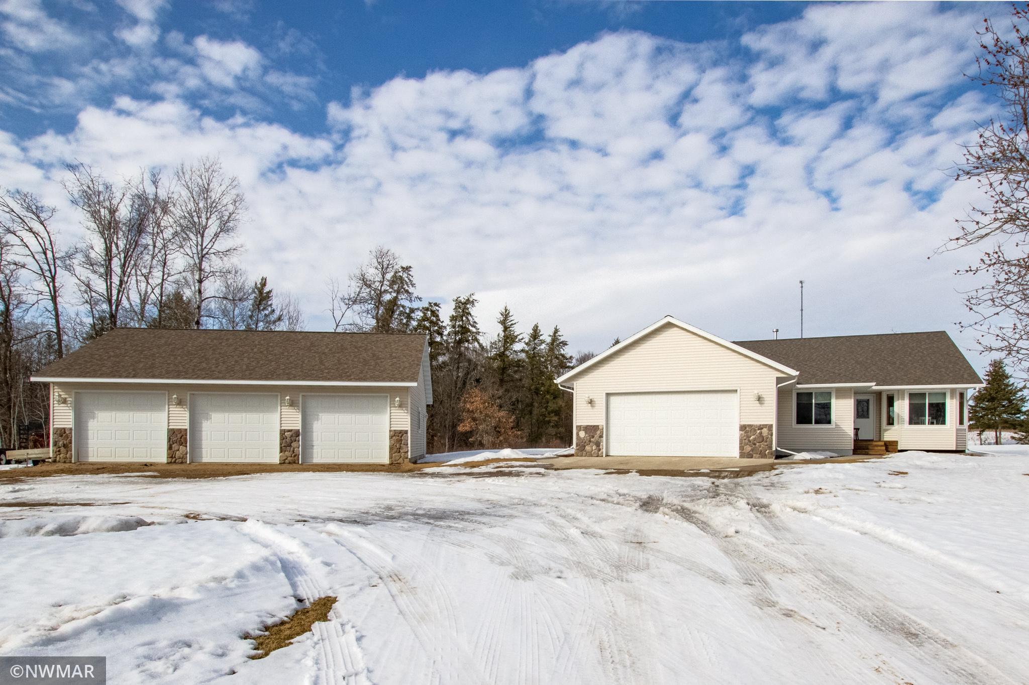5275 Elmwood Court Ne Property Photo