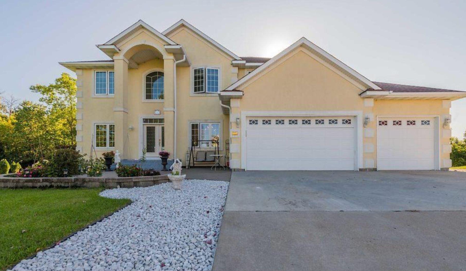 10565 Noble Circle N Property Photo