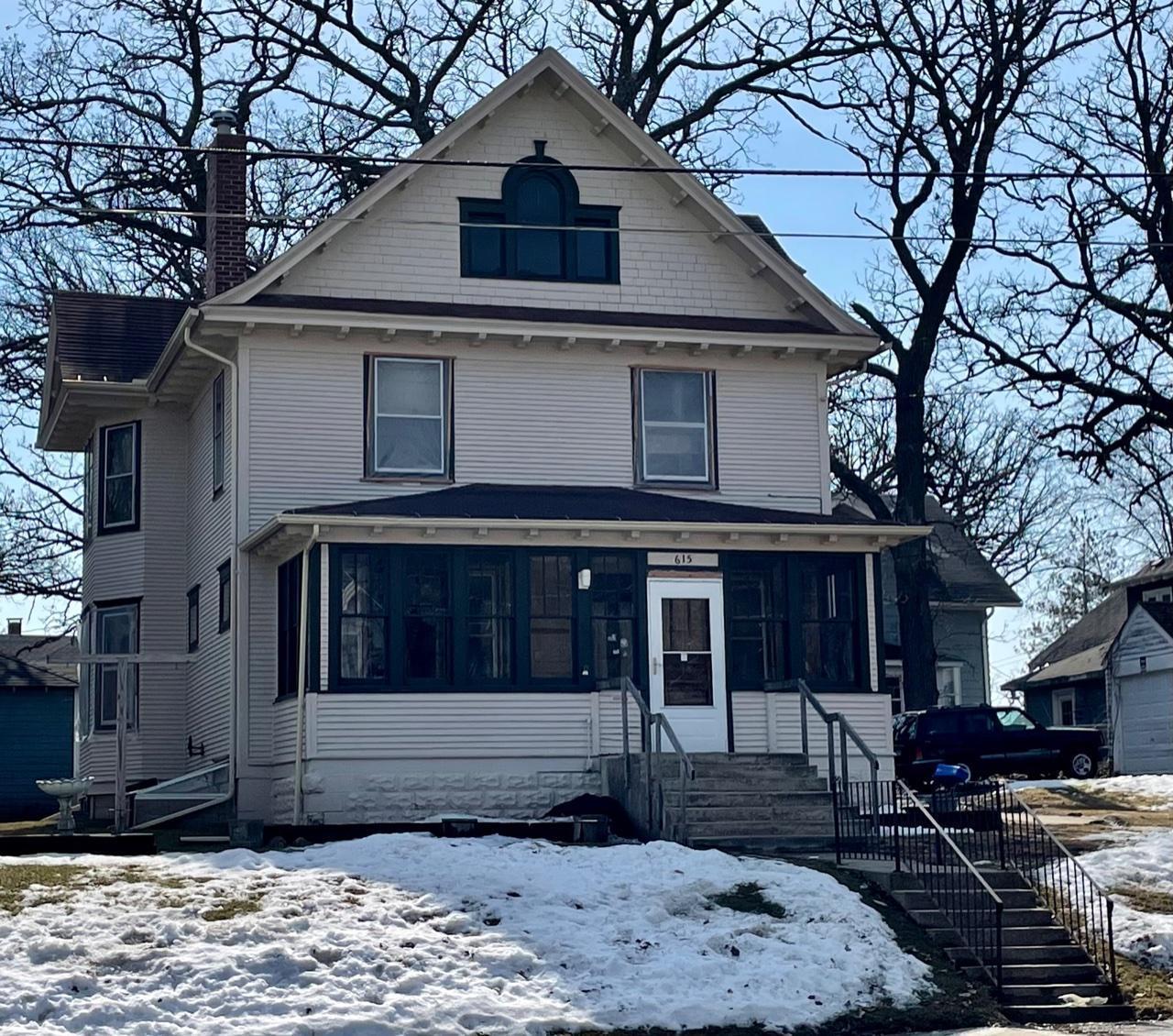 615 W Clark Street Property Photo