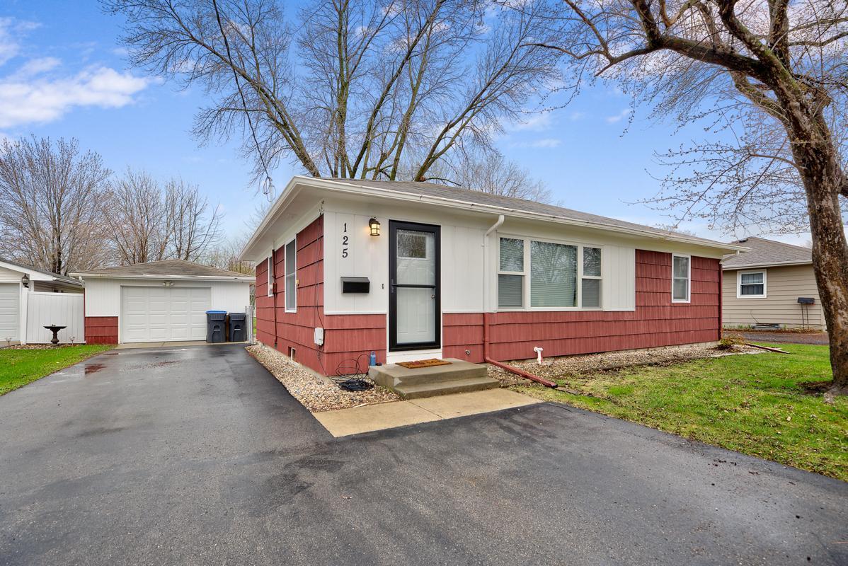 125 N Plainview Avenue Property Photo