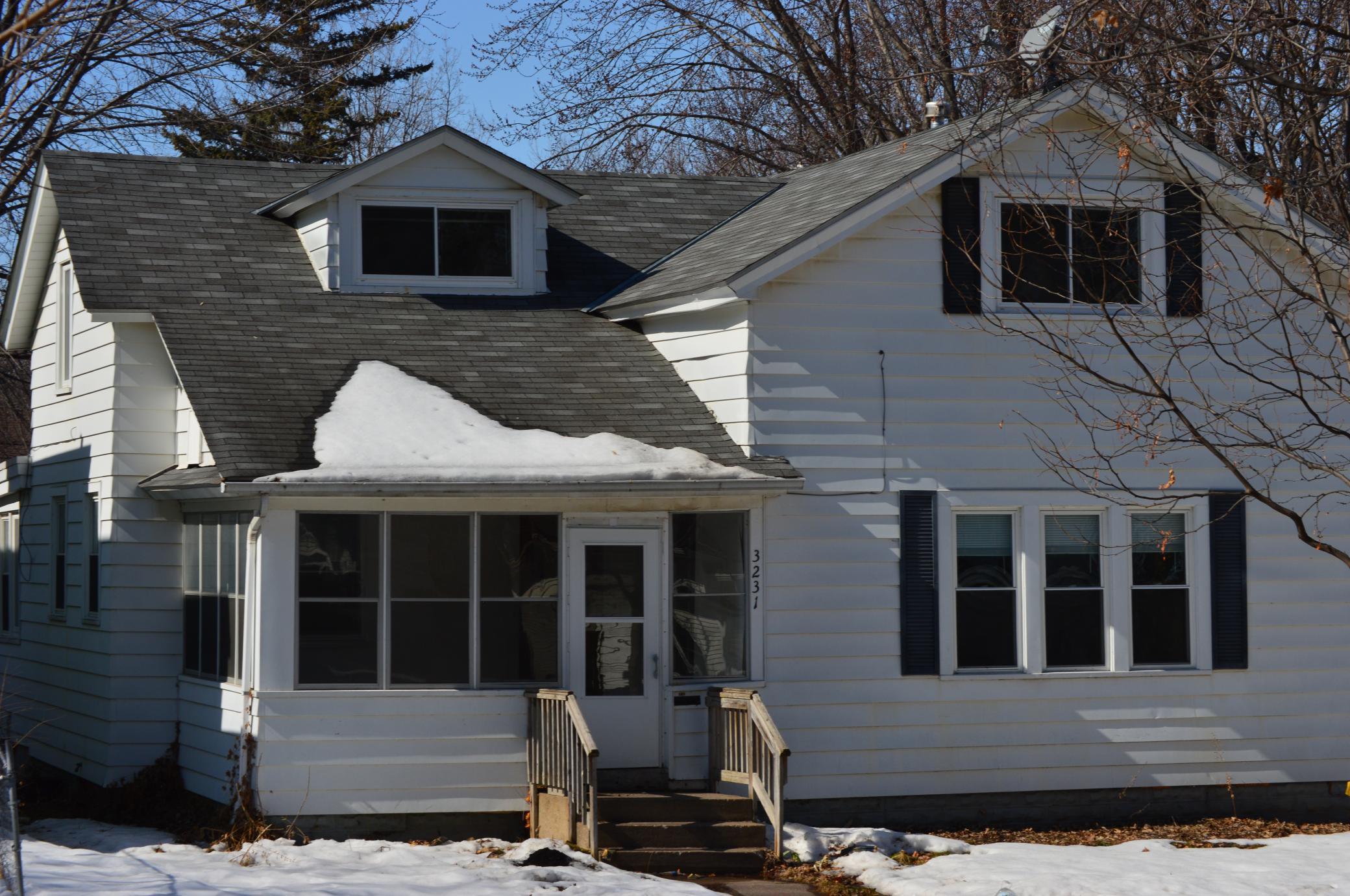 3231 Girard Avenue N Property Photo