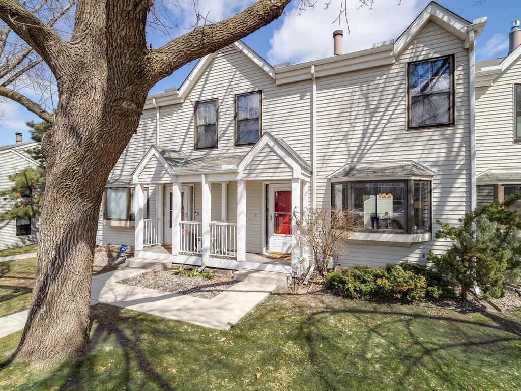 205 2nd Street Ne Property Photo