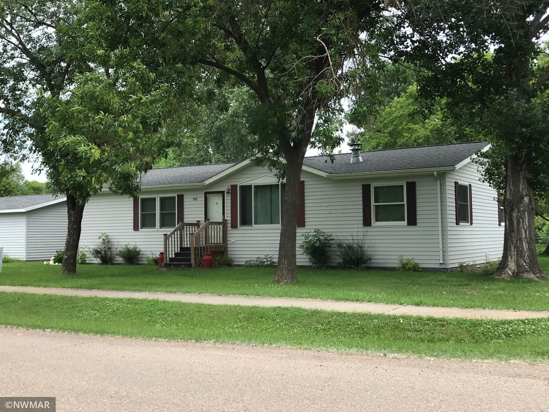 508 8th Street Property Photo - Manvel, ND real estate listing