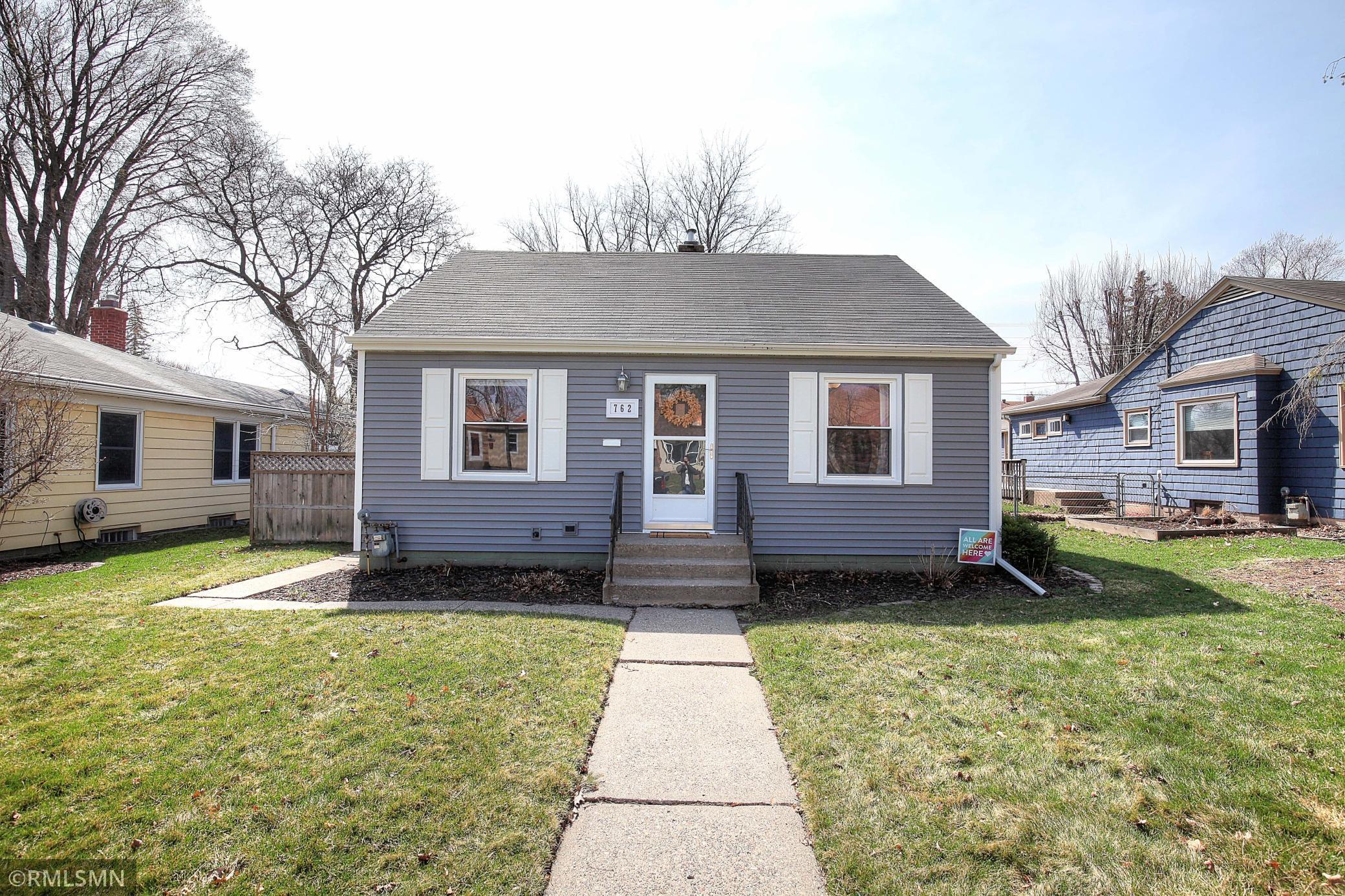 762 Hoyt Avenue W Property Photo