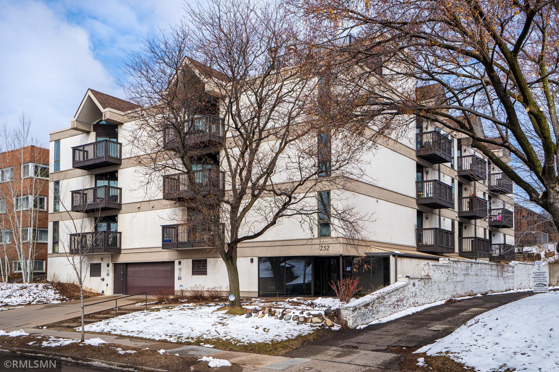 232 W Franklin Avenue #208 Property Photo