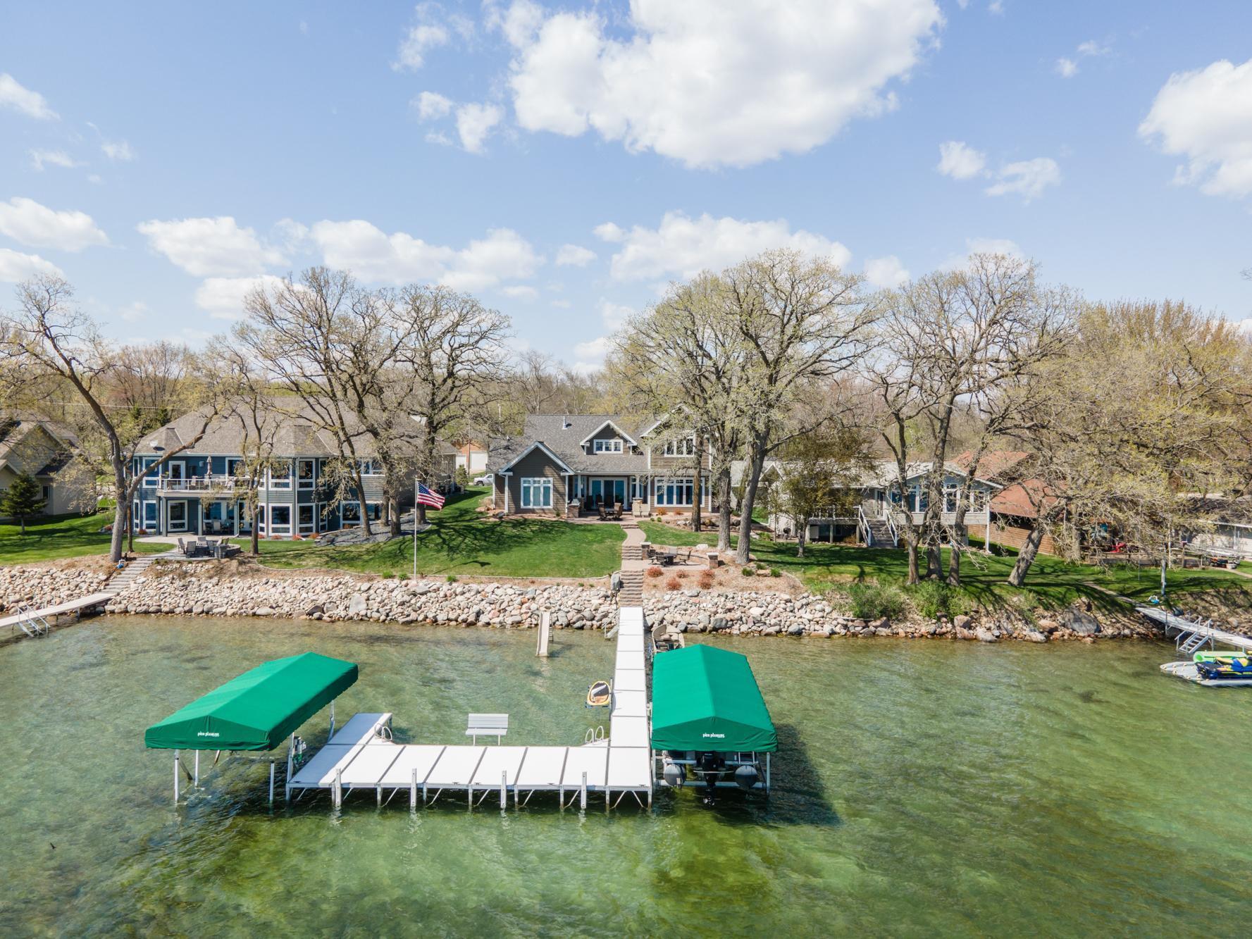 11033 N Shore Drive Property Photo