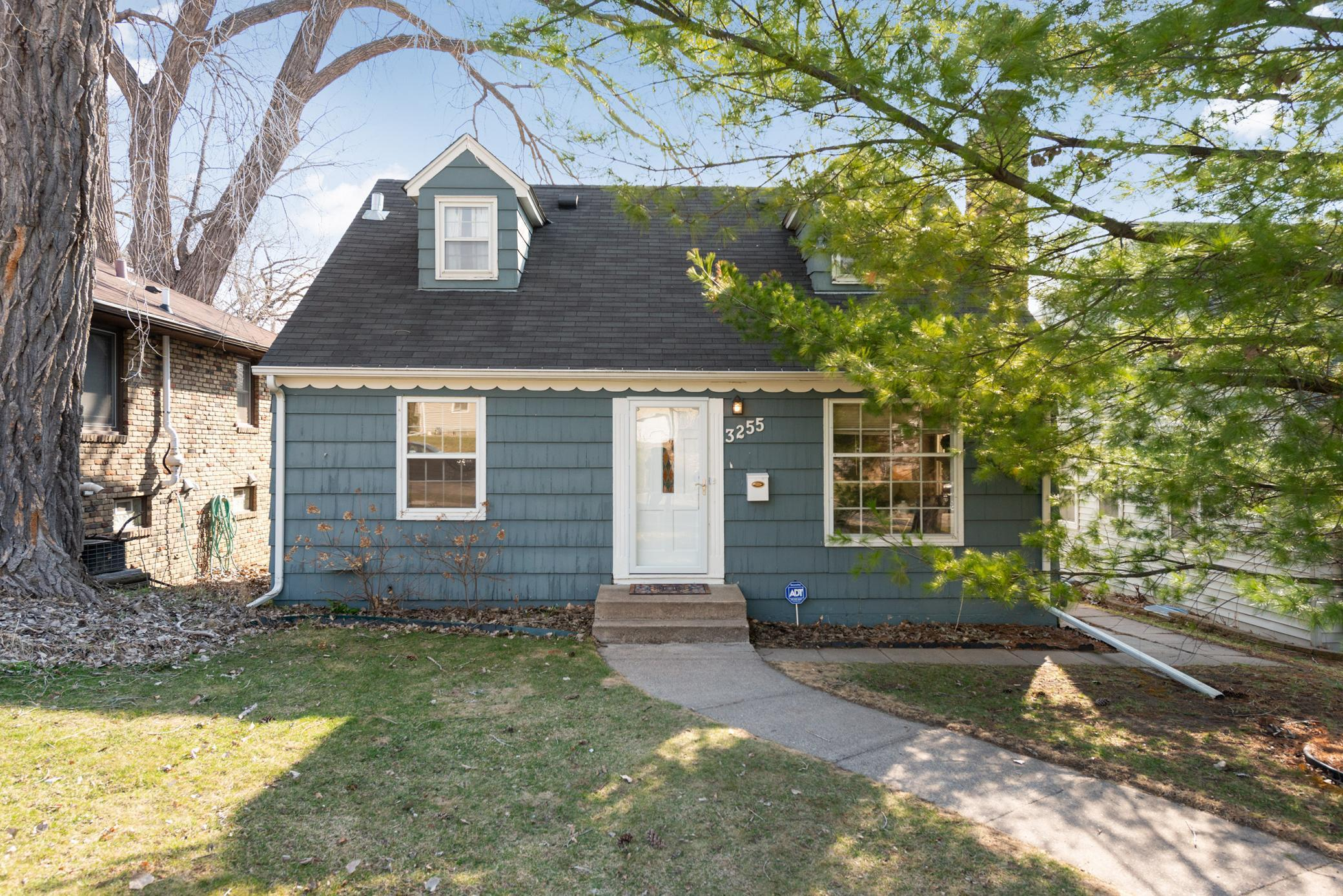 3255 Garfield Street Ne Property Photo