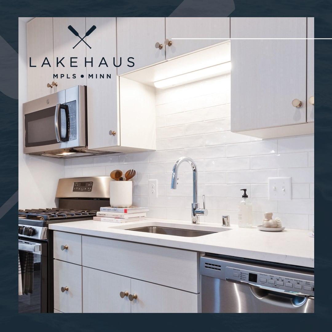 3100 W Lake Street #823 Property Photo