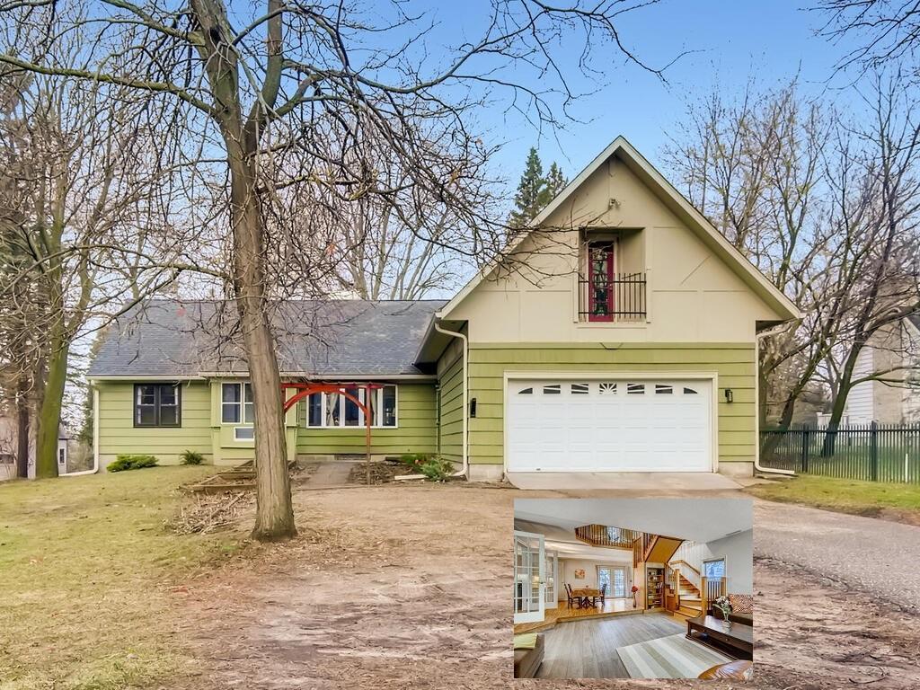 3899 Victoria Street N Property Photo