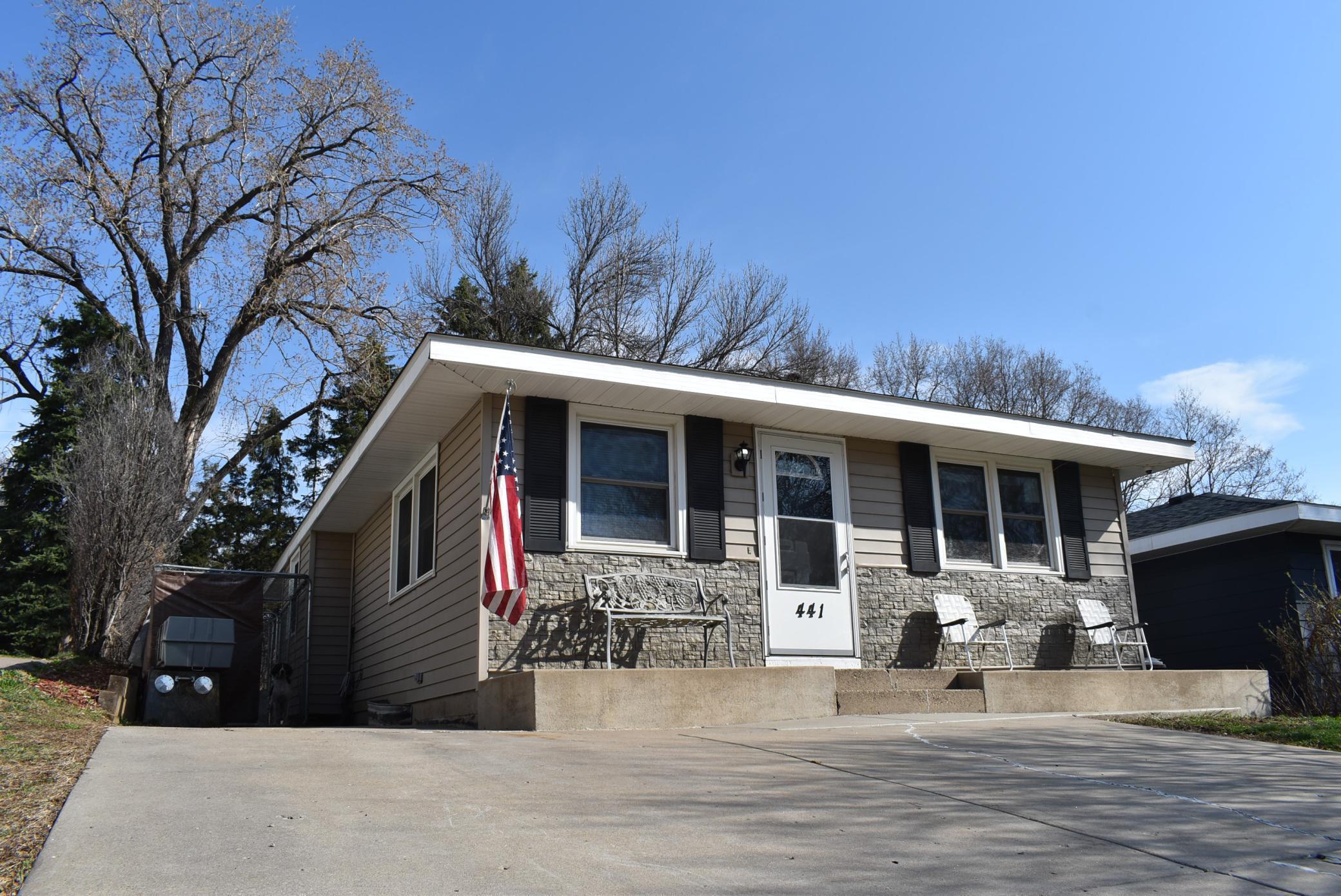 441 Roeller Avenue Property Photo