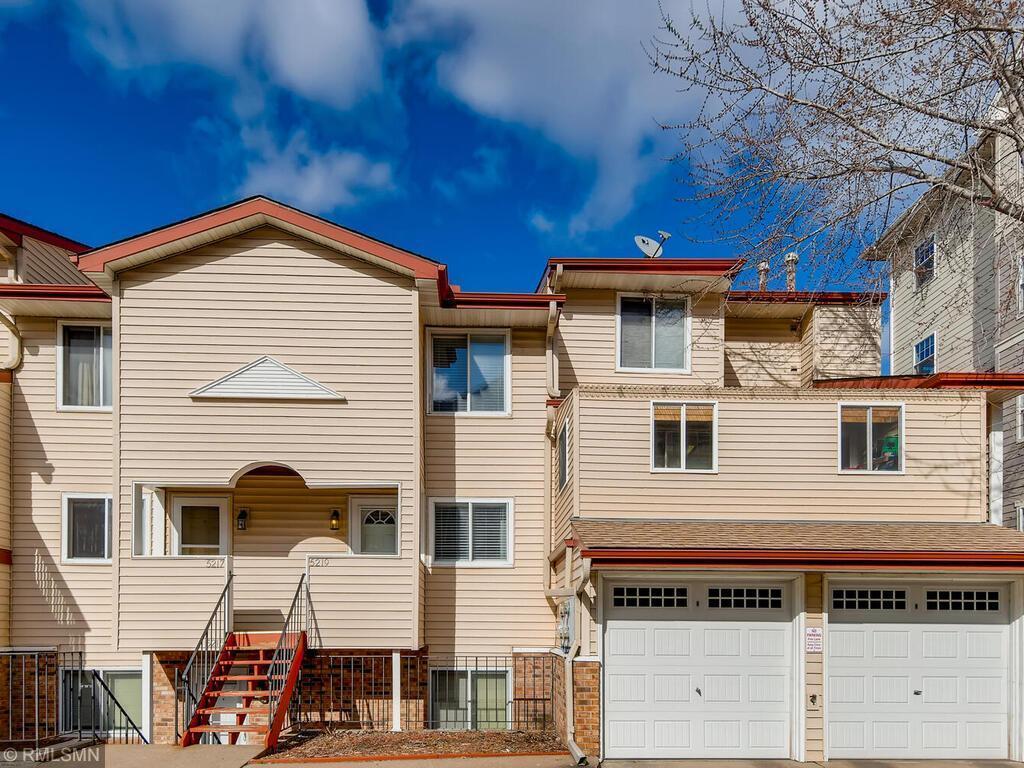 5219 Hiawatha Lane Property Photo