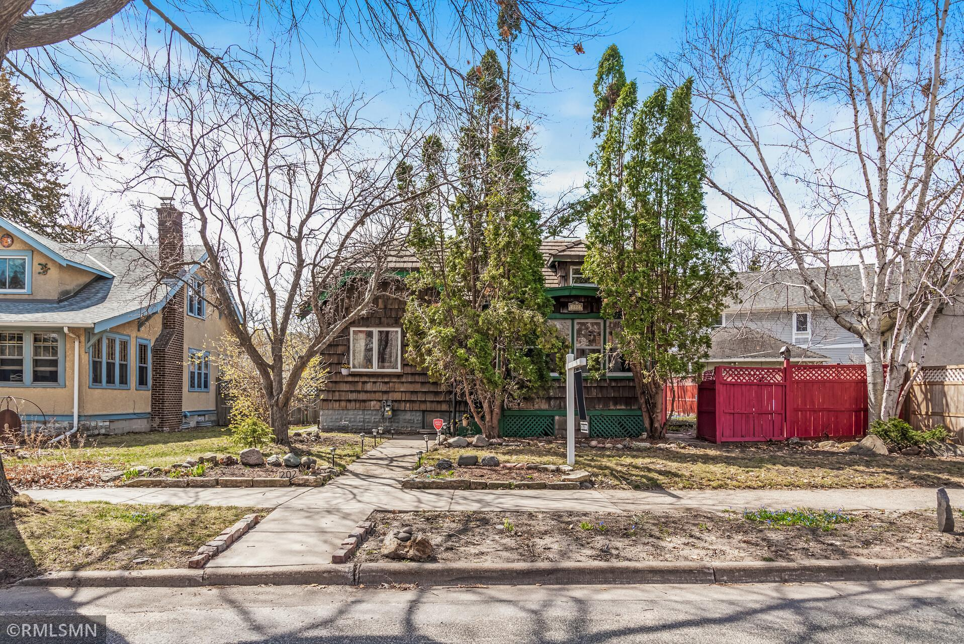 202 Morgan Avenue S Property Photo
