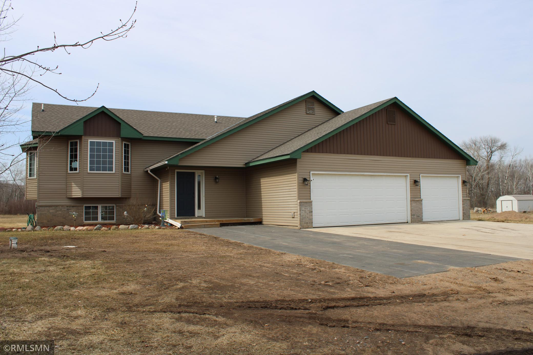 1431 Highway 65 Property Photo