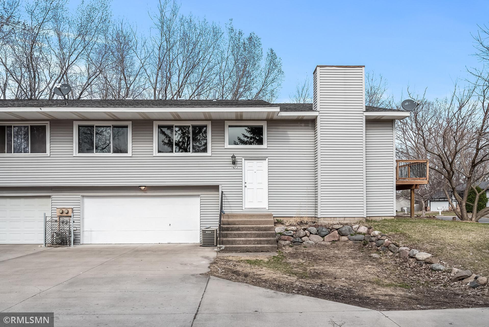 7423 Borman Avenue Property Photo