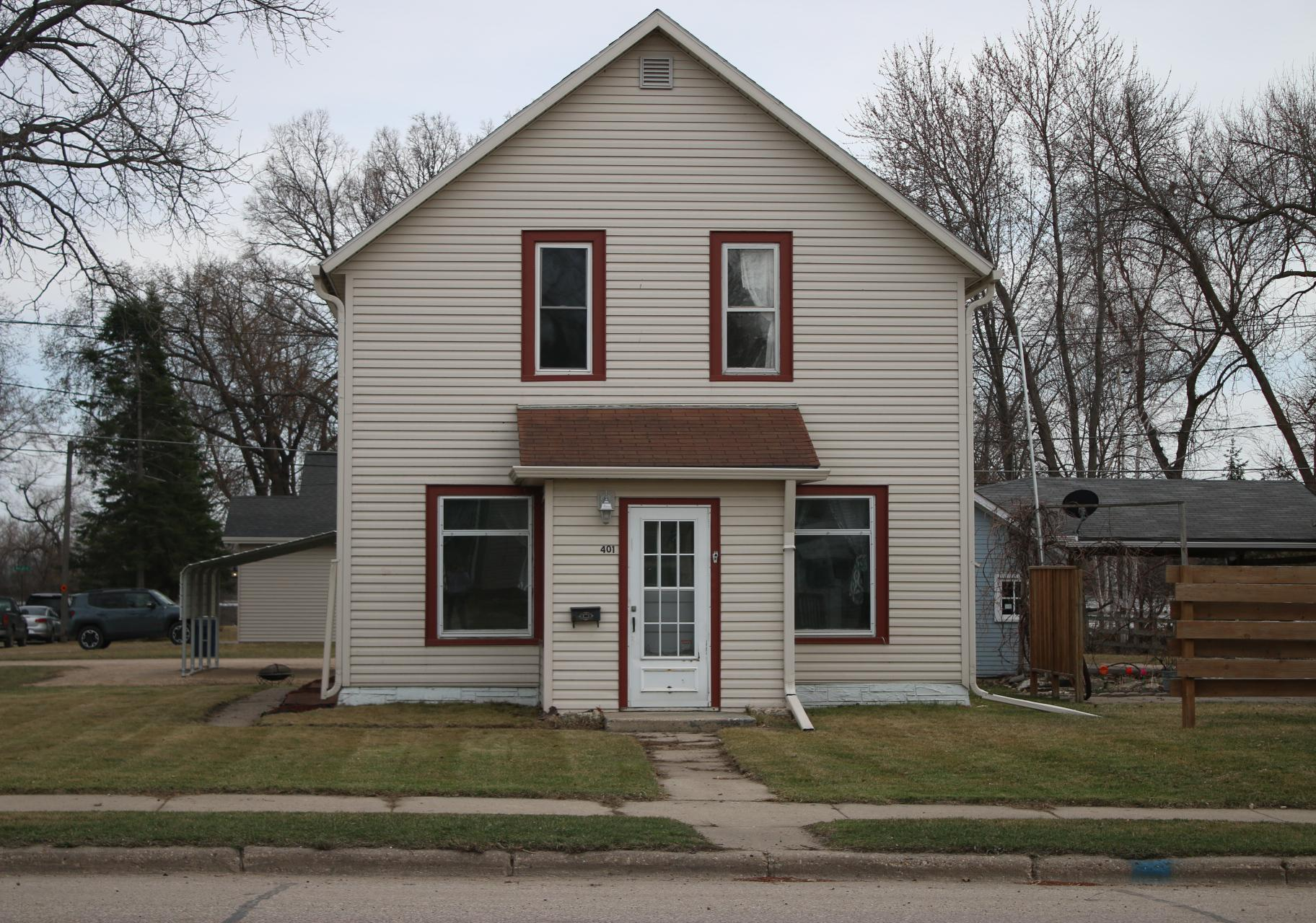 401 W 5th Street Property Photo