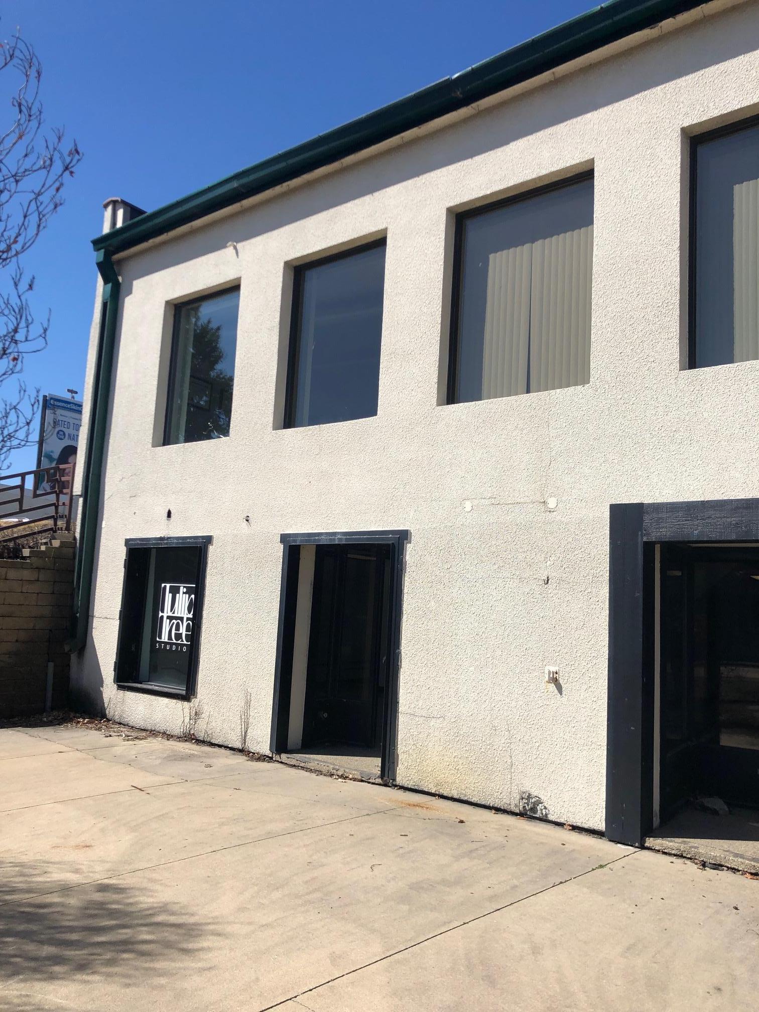 416 Broadway Avenue S ##2 Property Photo 1