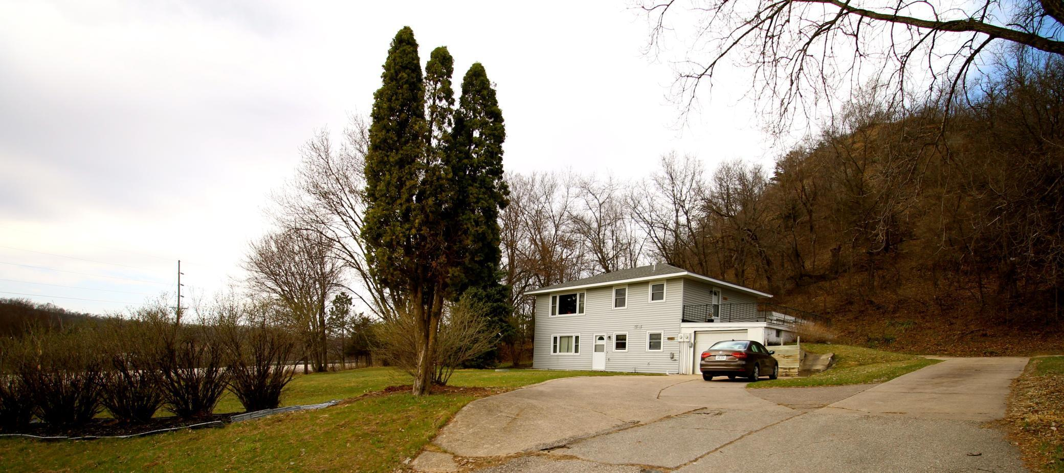 44427 Hillview Drive Property Photo