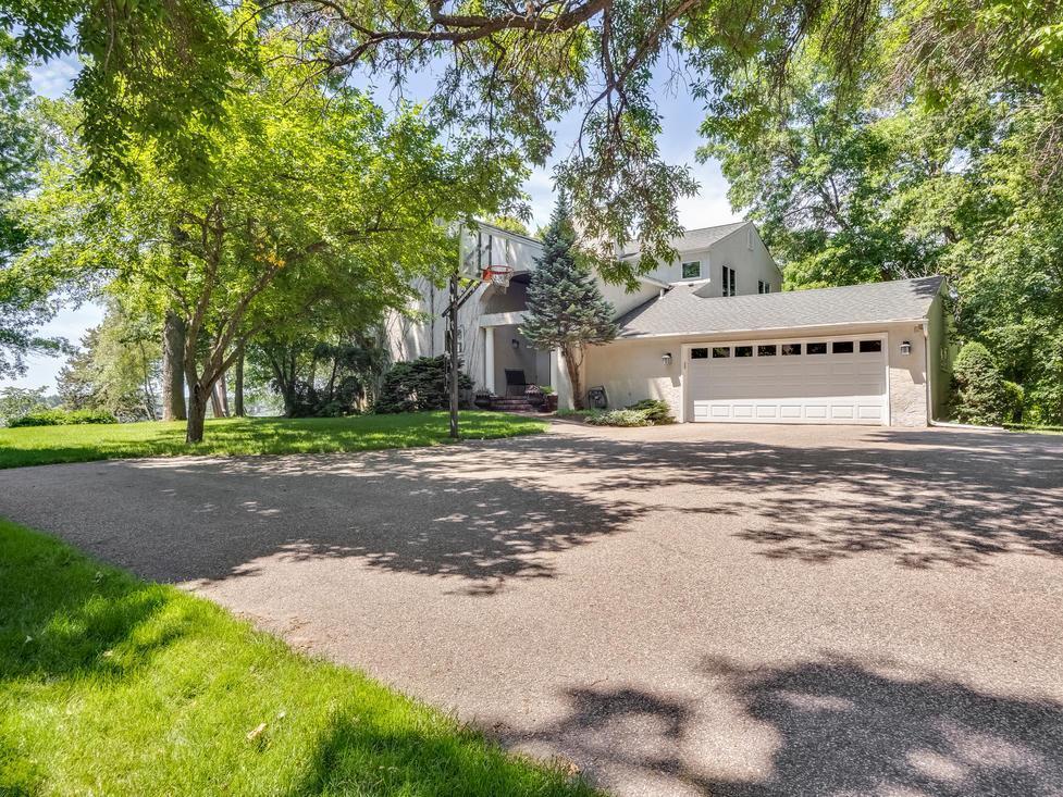 4423 N Shore Drive Property Photo