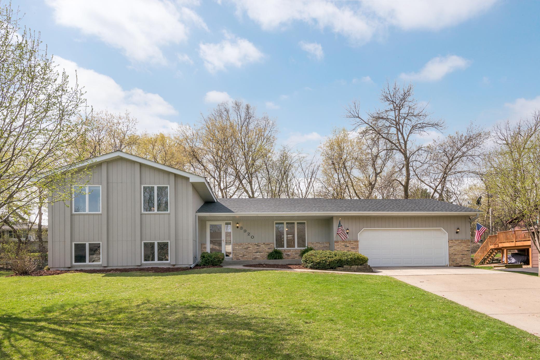 3920 Linden Circle Property Photo