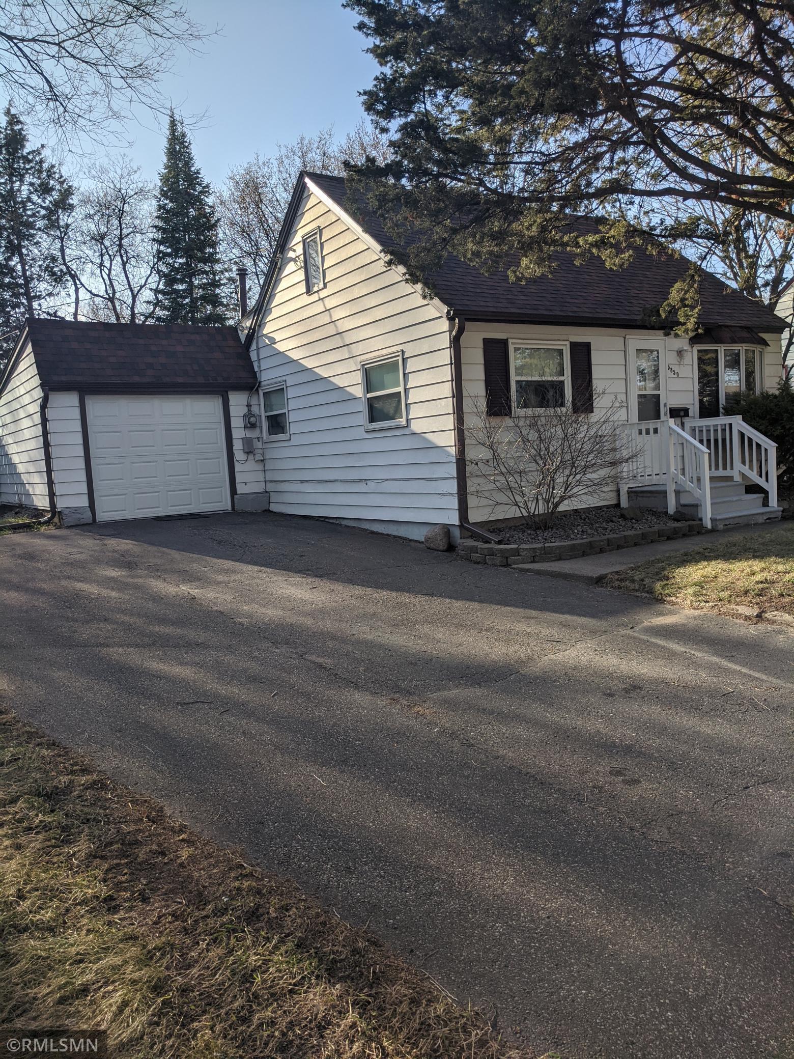 5850 2 1/2 Street Ne Property Photo