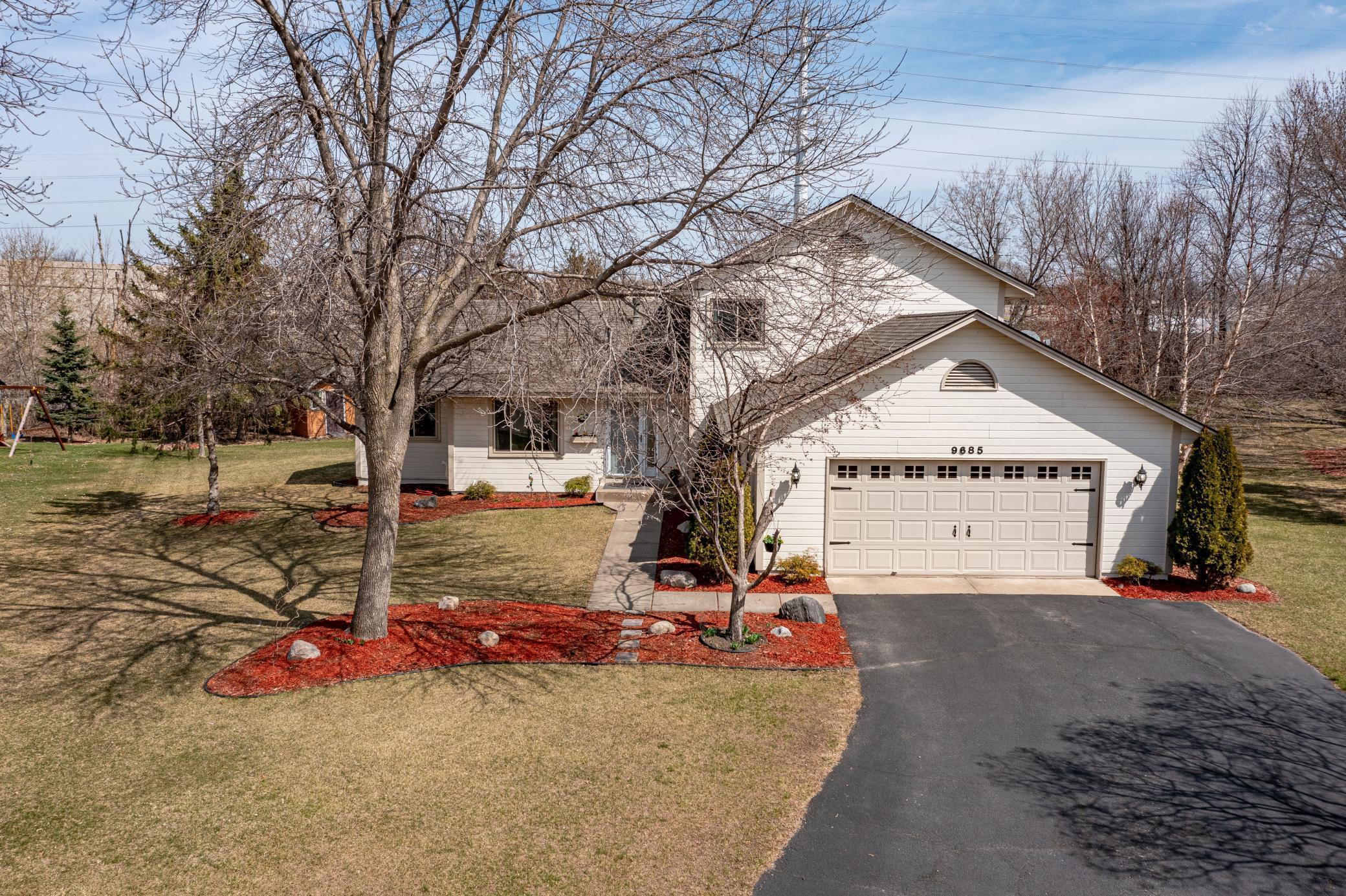 9685 Rosewood Lane N Property Photo