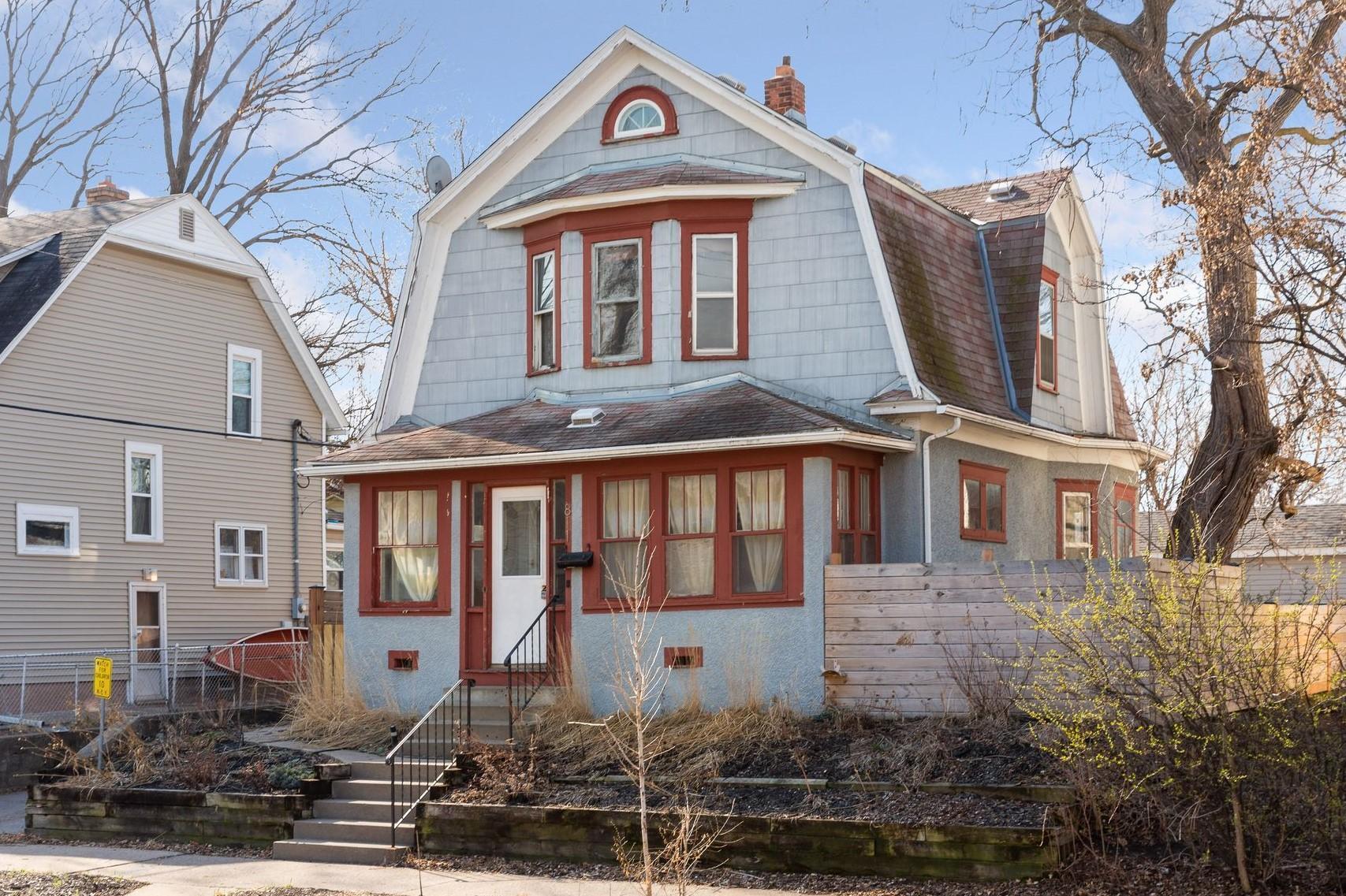811 E 36th Street Property Photo
