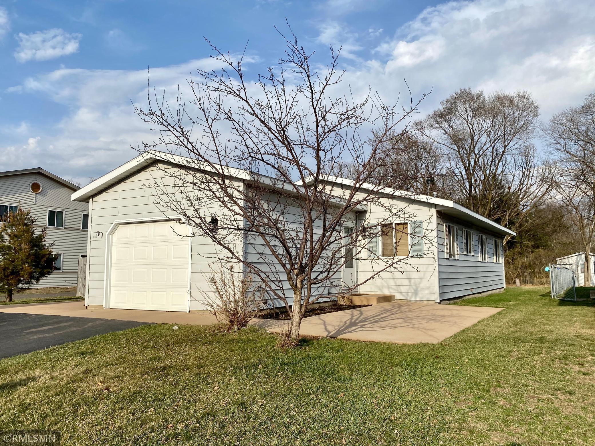 38703 Oakview Avenue Property Photo