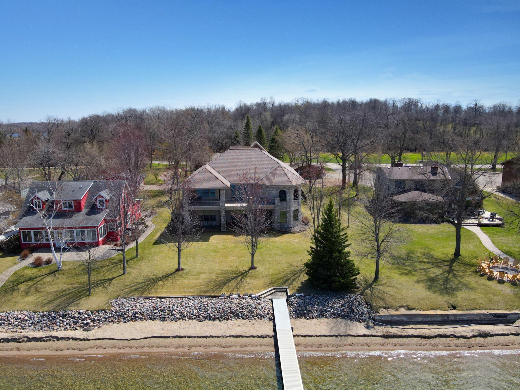 9960 Lake Avenue S Property Photo