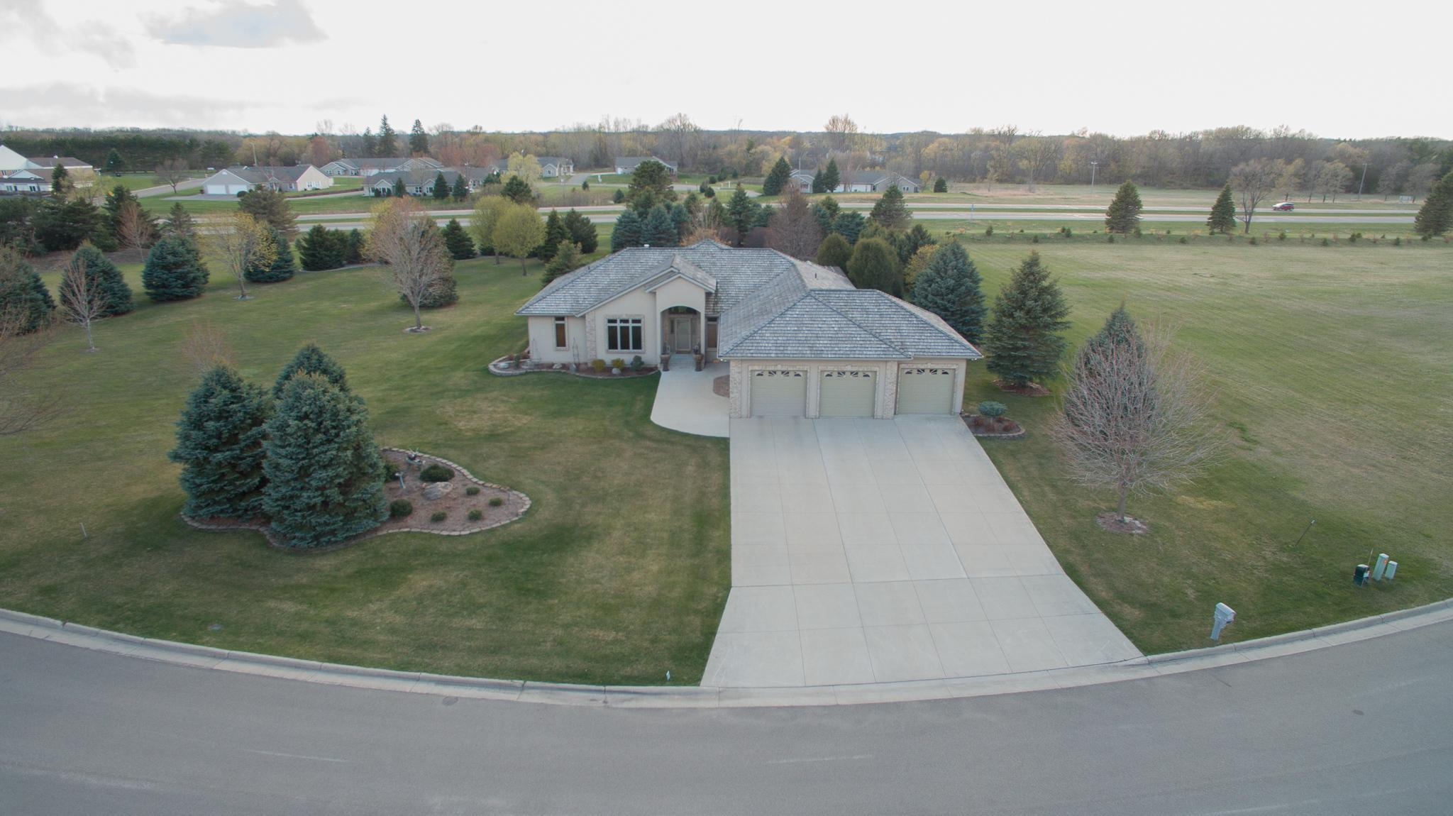 1517 Bay Oaks Drive Property Photo 1