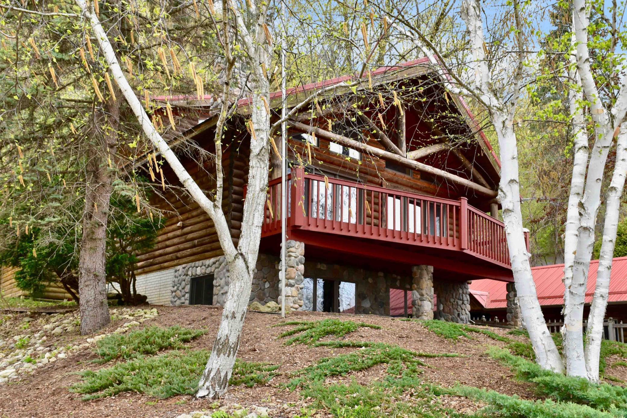 535 E Lake Boulevard Property Photo